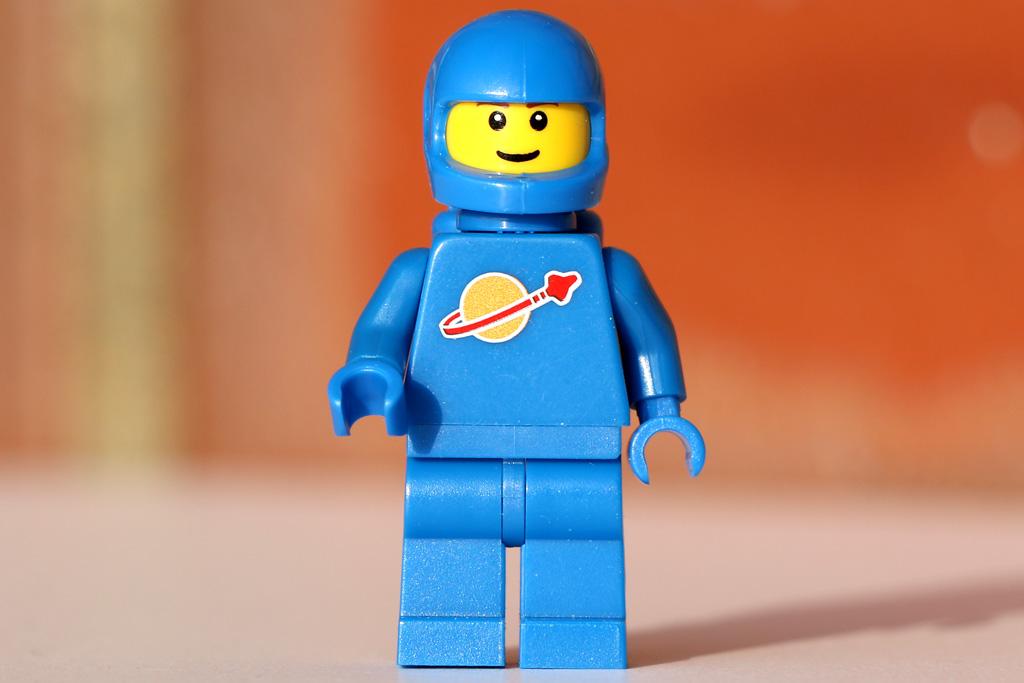 lego-classic-space-minifigure-2017-zusammengebaut-andres-lehmann zusammengebaut.om