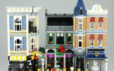lego-creator-expert-stadtleben-10255-assembly-square-front-minifiguren-2017-zusammengebaut-andres-lehmann zusammengebaut.com