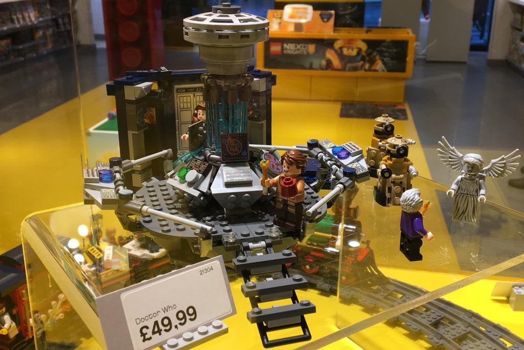 LEGO Ideas Doctor Who 21304: Very british!  | © Marius