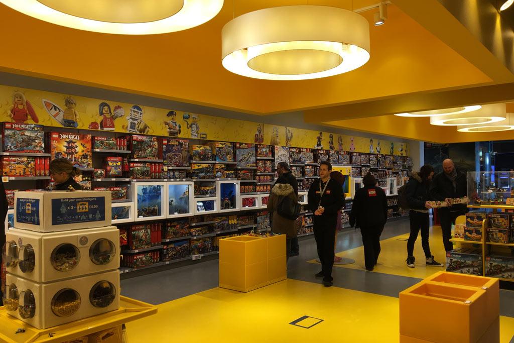 Schlauchartiger Store | © Marius