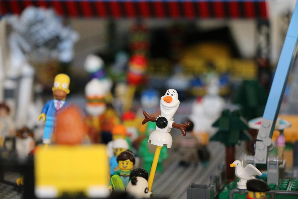 Olaf schwebt über den Rummeplatz. | © Andres Lehmann / zusammengebaut.com