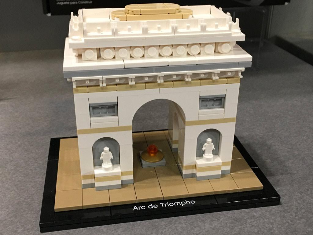 lego architecture arc de triomphe 21036 im detail. Black Bedroom Furniture Sets. Home Design Ideas