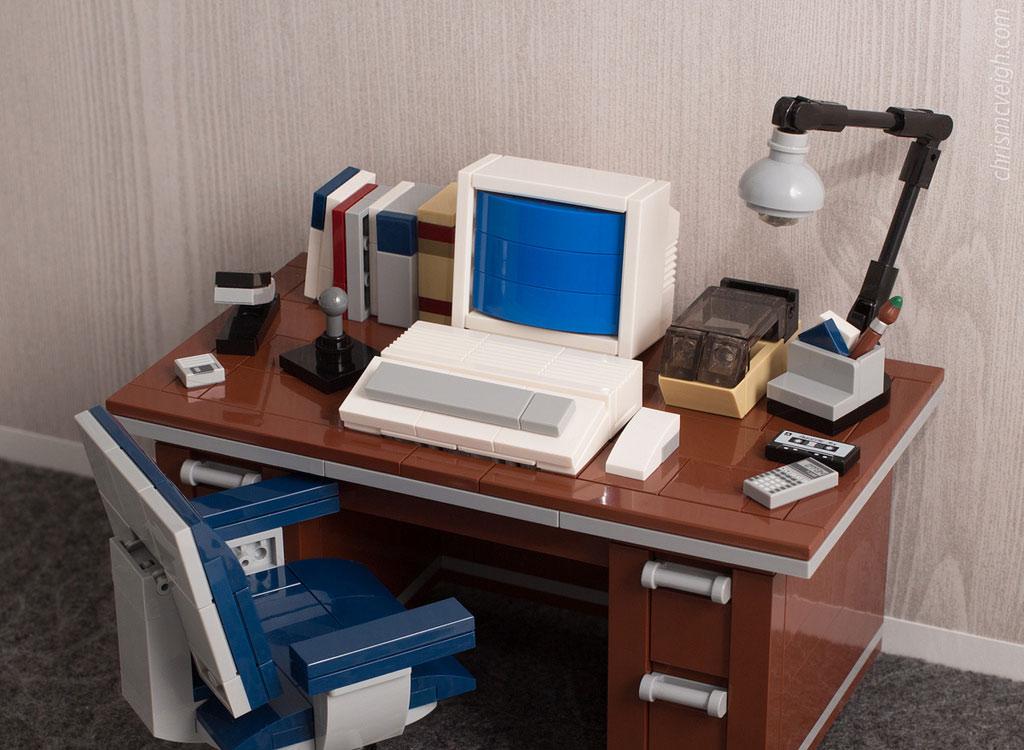 lego moc alter schreibtisch die diskette lebt auf. Black Bedroom Furniture Sets. Home Design Ideas