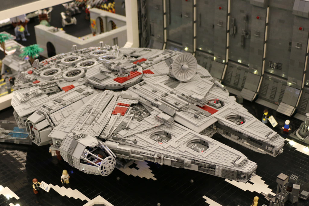 lego star wars millennium falcon 75192 was wir erwarten. Black Bedroom Furniture Sets. Home Design Ideas
