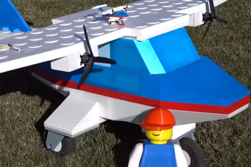 Lego Flugzeug Aus Dem Jahre 1990 Hebt Endlich Ab Zusammengebaut