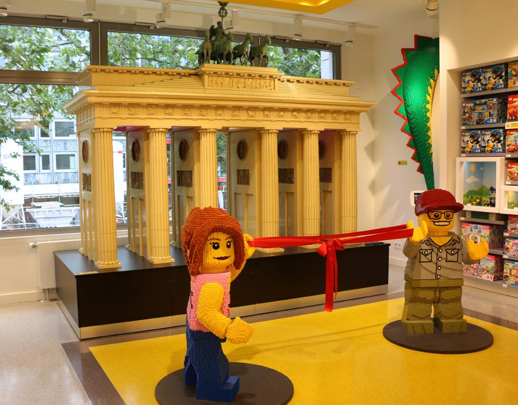 lego-flagship-store-berlin-brandenburger-tor-modell-2017-zusammengebaut-andres-lehmann zusammengebaut.com
