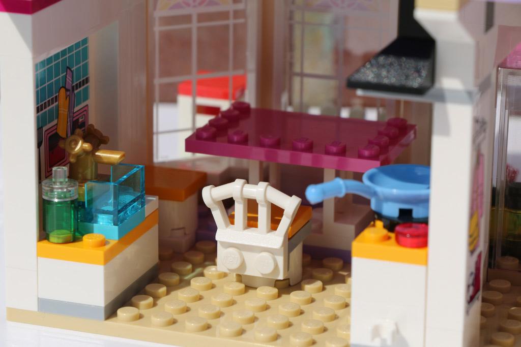 lego friends stephanies haus 41314 im review zusammengebaut. Black Bedroom Furniture Sets. Home Design Ideas