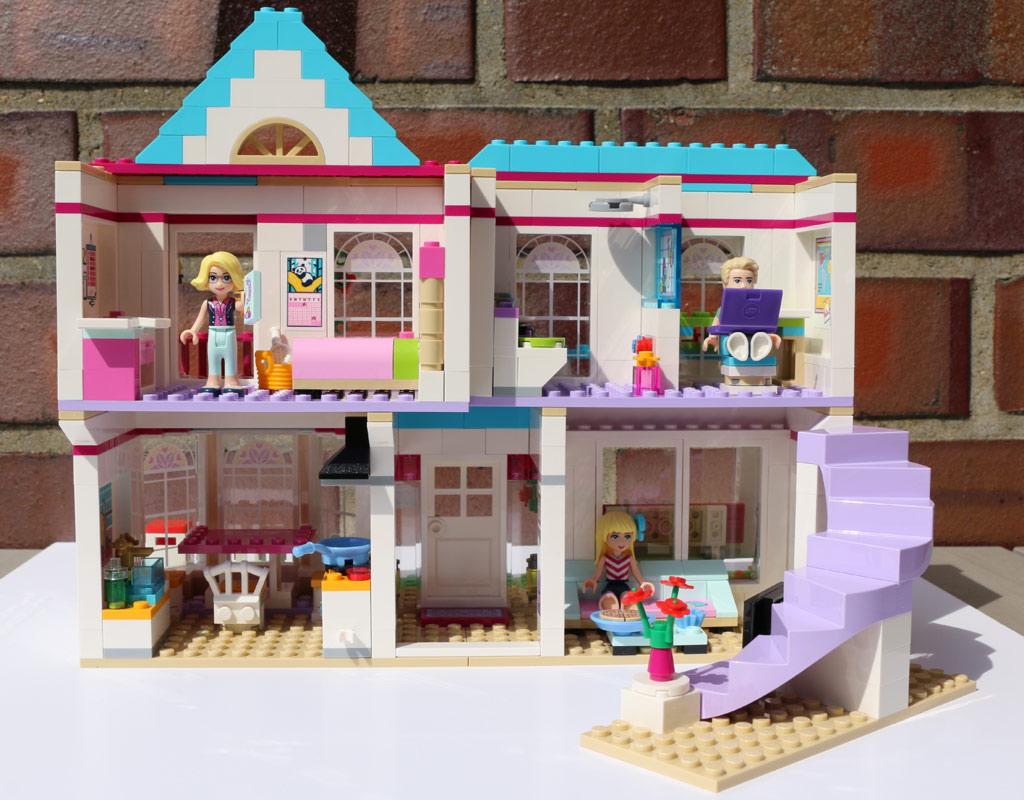 Lego friends stephanies haus 41314 im review zusammengebaut for Lego modernes haus