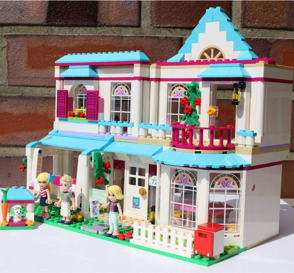 lego friends review Stay with the five friends from heartlake city and their cute pets at legoland hotel enjoy this florida resort built for the kids in your life.