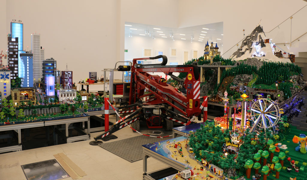 LEGO House: Drei Welten im Minifiguren-Maßstab | zusammengebaut