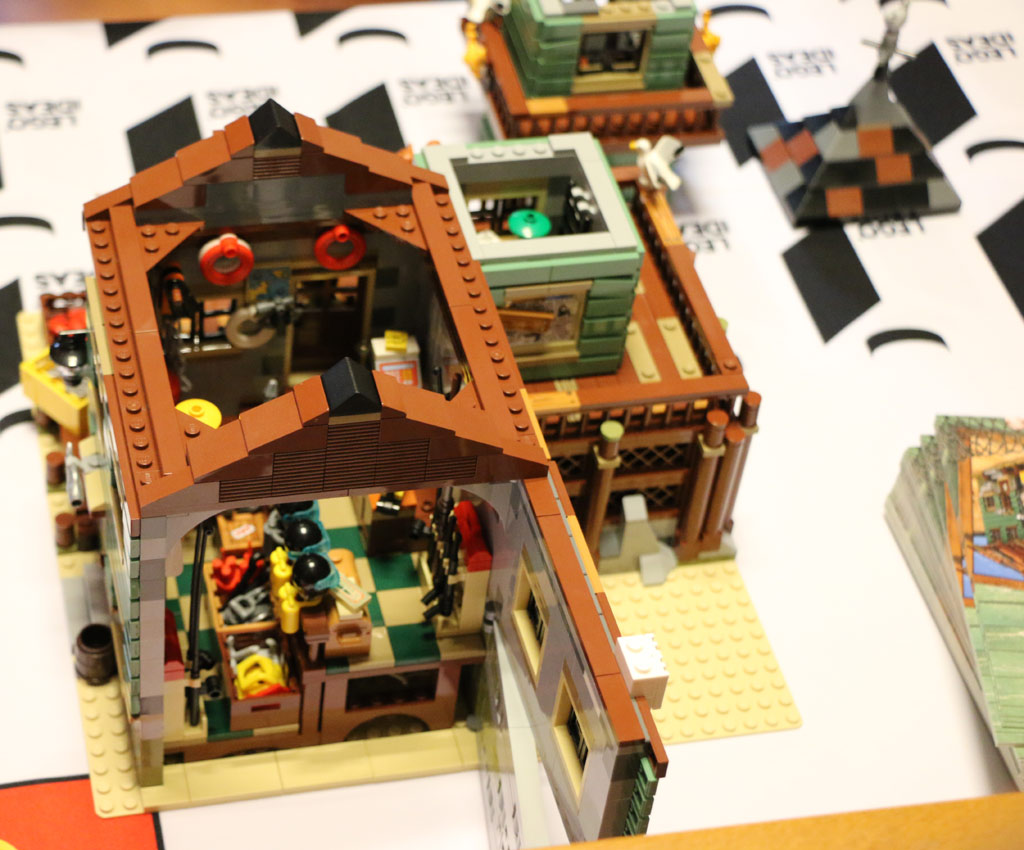 Lego ideas old fishing store 21310 im detail zusammengebaut for Lego old fishing store