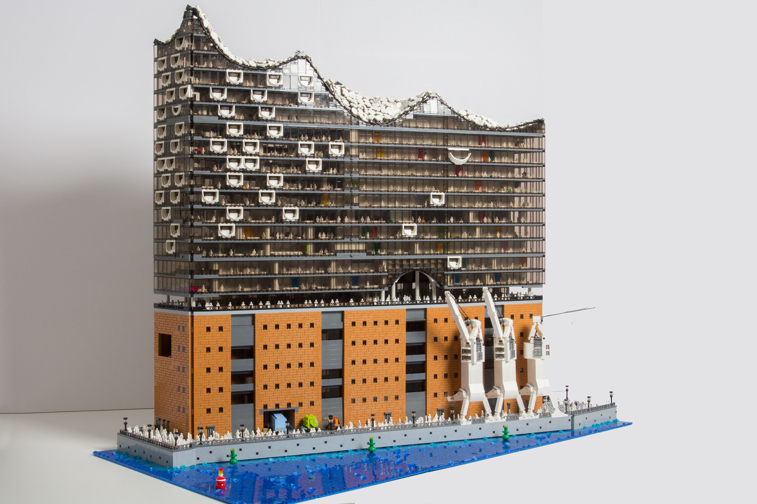 hamburger elbphilharmonie als lego modell. Black Bedroom Furniture Sets. Home Design Ideas