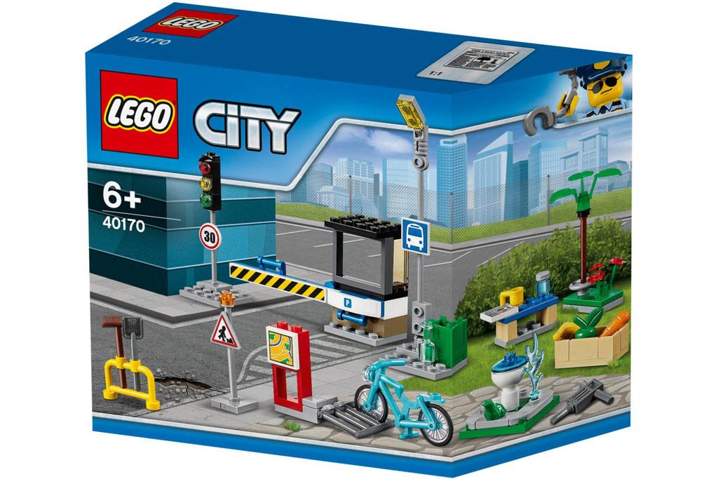 neues lego city stra enplatten set f r junge baumeister zusammengebaut. Black Bedroom Furniture Sets. Home Design Ideas