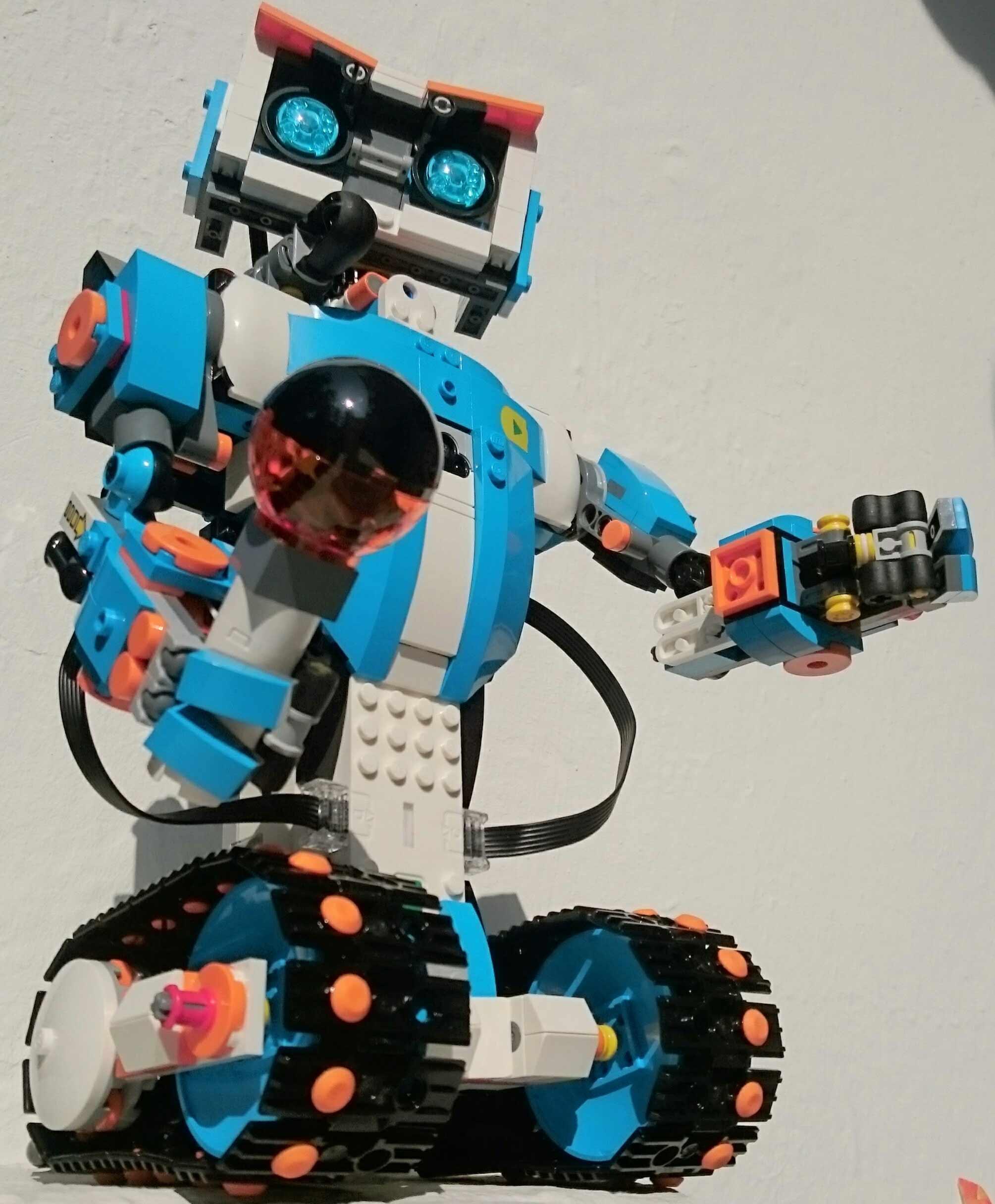 lego boost programmierbares roboticset 17101 im review. Black Bedroom Furniture Sets. Home Design Ideas