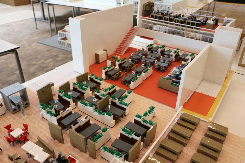lego house detailgetreue modelle des innenlebens zusammengebaut. Black Bedroom Furniture Sets. Home Design Ideas