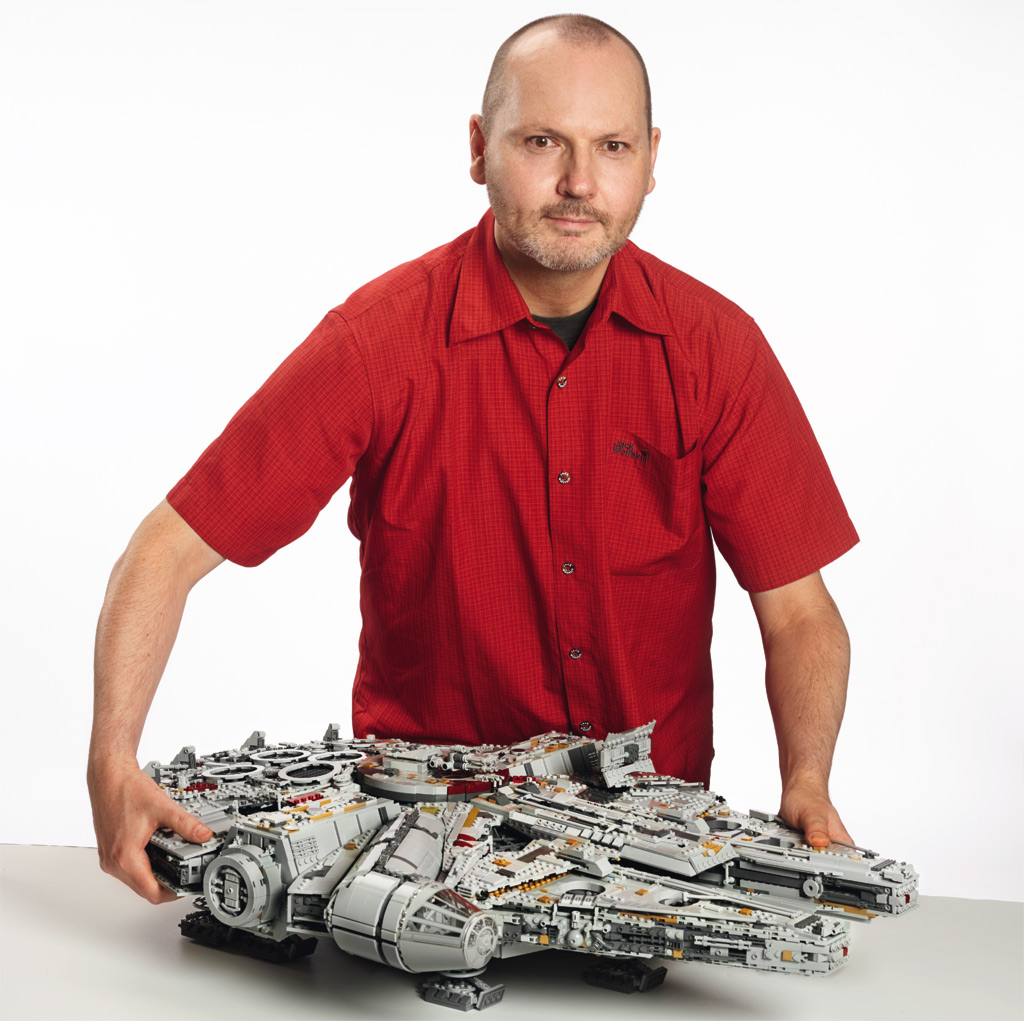 lego star wars ucs millennium falcon 75192 designer video. Black Bedroom Furniture Sets. Home Design Ideas
