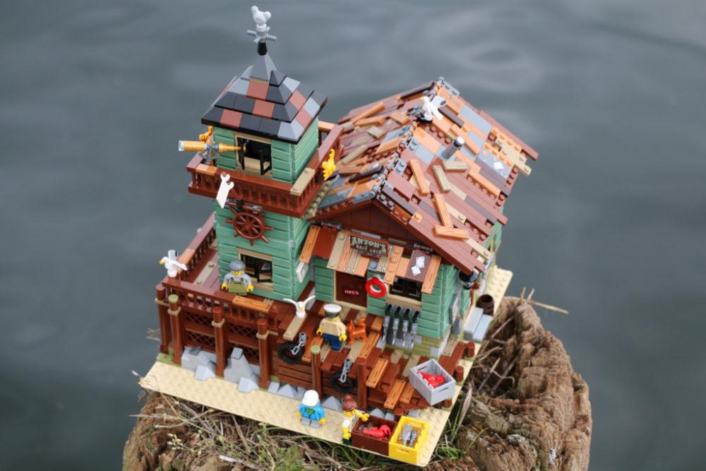 LEGO Ideas 21310 Alter Angelladen