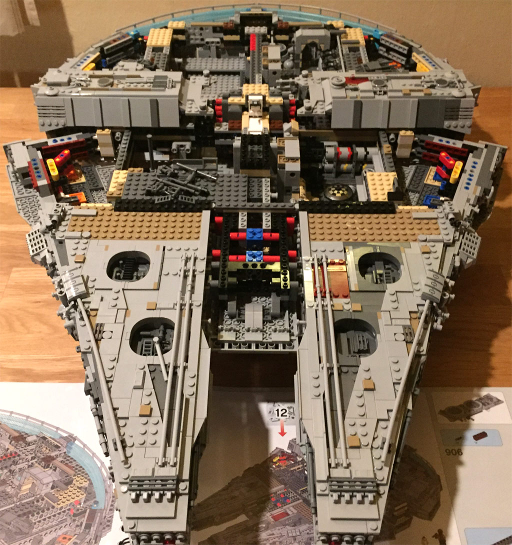 lego star wars ucs millennium falcon 75192 bauabschnitte. Black Bedroom Furniture Sets. Home Design Ideas