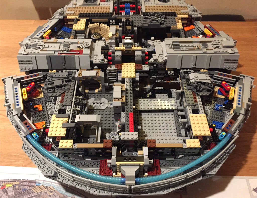 lego star wars ucs millennium falcon 75192 bauabschnitte 9 bis 12 zusammengebaut. Black Bedroom Furniture Sets. Home Design Ideas