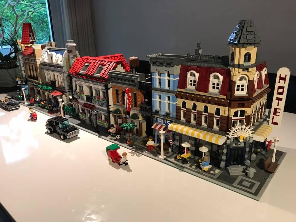 lego modular building als geburtstagsgeschenk nachbau des wohnhauses zusammengebaut. Black Bedroom Furniture Sets. Home Design Ideas