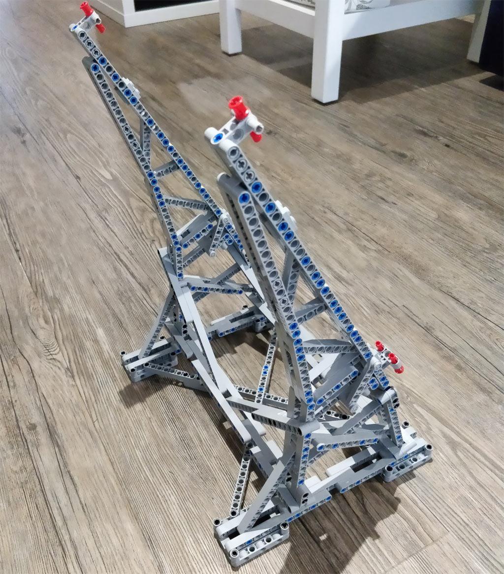 lego star wars ucs millennium falcon 75192 efferman 39 s vertical stand zusammengebaut. Black Bedroom Furniture Sets. Home Design Ideas