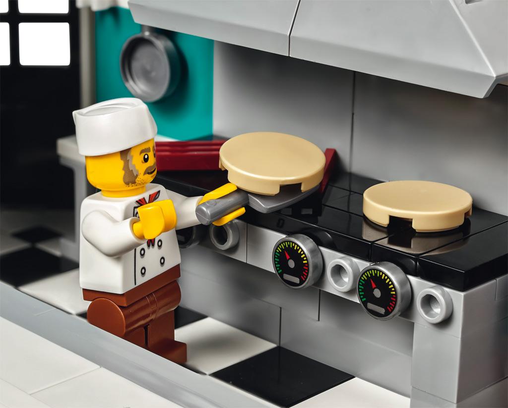 lego downtown diner 10260 modular building 2018 vorgestellt zusammengebaut. Black Bedroom Furniture Sets. Home Design Ideas