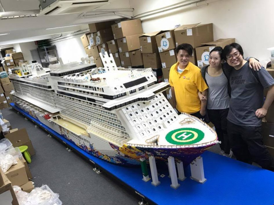 gr tes lego kreuzfahrtschiff der welt entsteht zusammengebaut. Black Bedroom Furniture Sets. Home Design Ideas