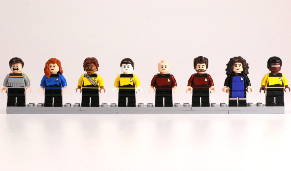 lego-star-trek-minifiguren-raumschiff-enterprise-das-naechste-jahrhundert-tng-crew-2017-zusammengebaut-andres-lehmann-1000x586.jpg