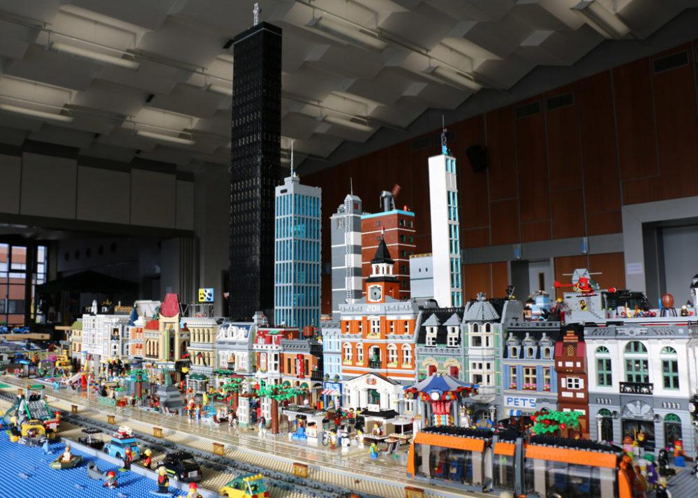 ukonio-city-lego-ausstellung-borken-skyline-zusammengebaut-2017-andres-lehmann zusammengebaut.com