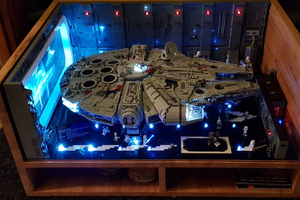 Lego Star Wars Ucs Millennium Falcon 75192 Beleuchteter Hangar