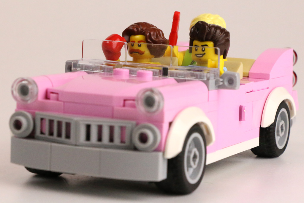 lego-creator-expert-amerikanisches-diner-10260-cadillac-front-minifiguren-2018-zusammengebaut-andres-lehmann zusammengebaut.com
