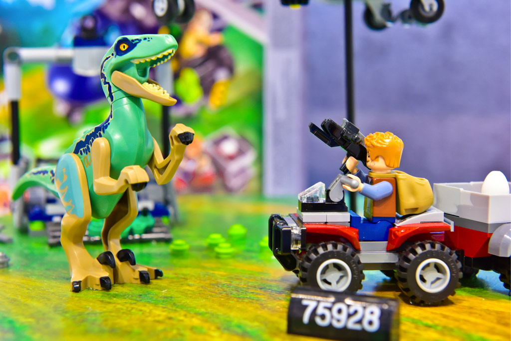 helicopter legos with Lego Jurassic World 2 Offizielles Bildmaterial Zu Drei Sets 43877 on 32820151279 as well Story And Characters also Watch likewise The The First And The Worst Lego Video Game Adaptation I Have Played moreover Lego Jurassic World 2 Offizielles Bildmaterial Zu Drei Sets 43877.
