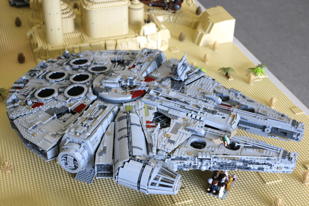 lego star wars ucs millennium falcon 75192 wieder im lego. Black Bedroom Furniture Sets. Home Design Ideas