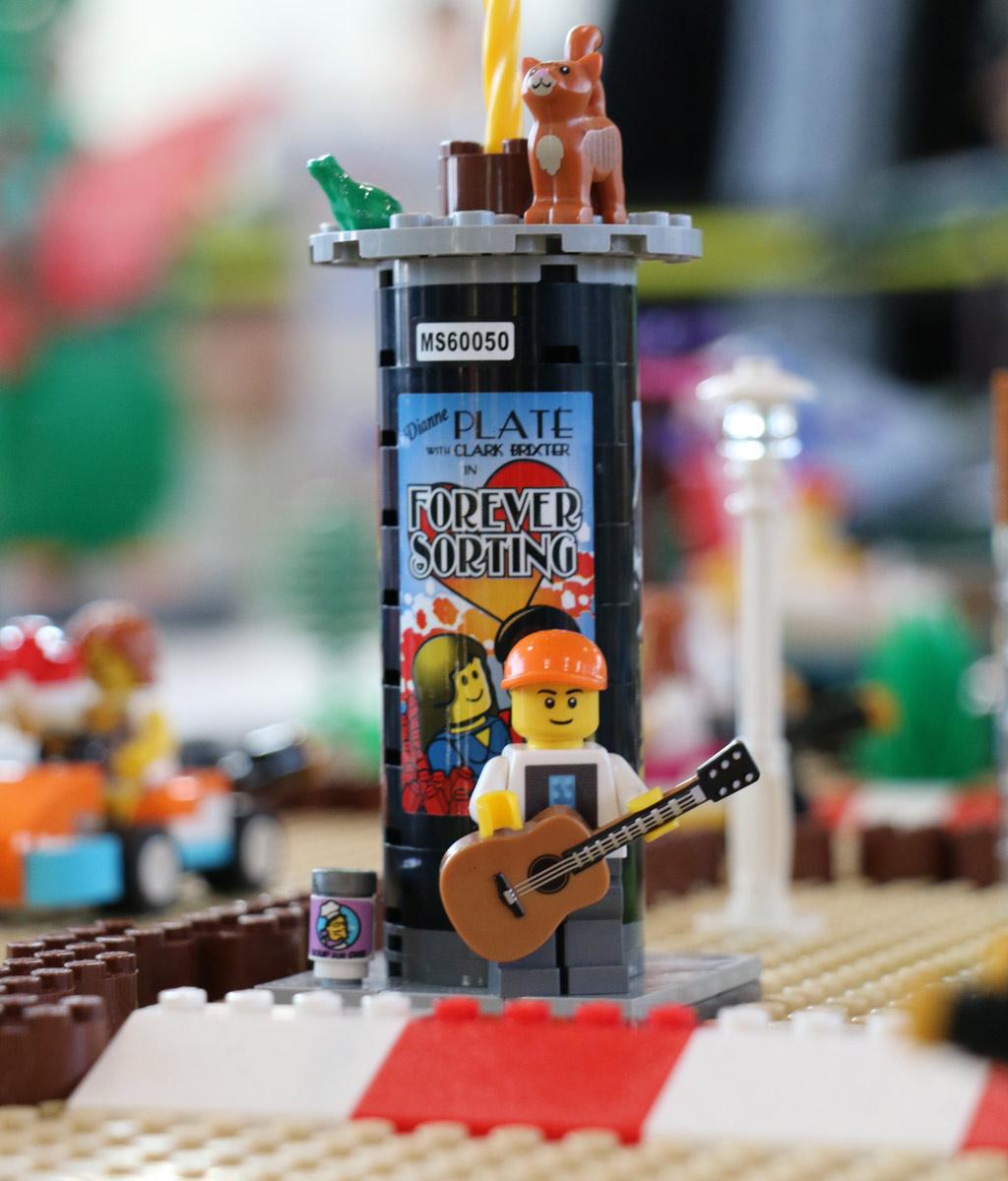 rummelplatz-litfasssaeule-floating-bricks-lego-ausstellung-hamburg-2018-zusammengebaut-michael-kopp zusammengebuat.com
