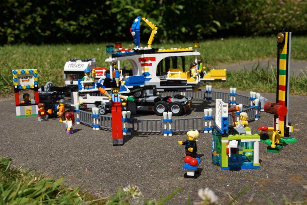 lego-fairground-mixer-jahrmarkt-fahrgeschaeft-rummell-10244-2014-zusammengebaut-andres-lehmann zusammengebaut.com
