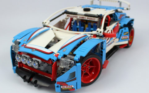 lego-technic-rallyeauto-42077-front-2018-zusammengebaut-andre-micko zusammengebaut.com