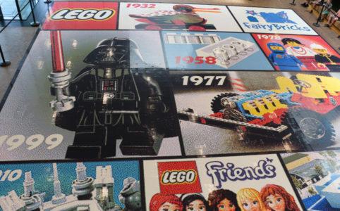 lego-house-mosaik-draufsicht-2018-zusammengebaut zusammengbaut.com