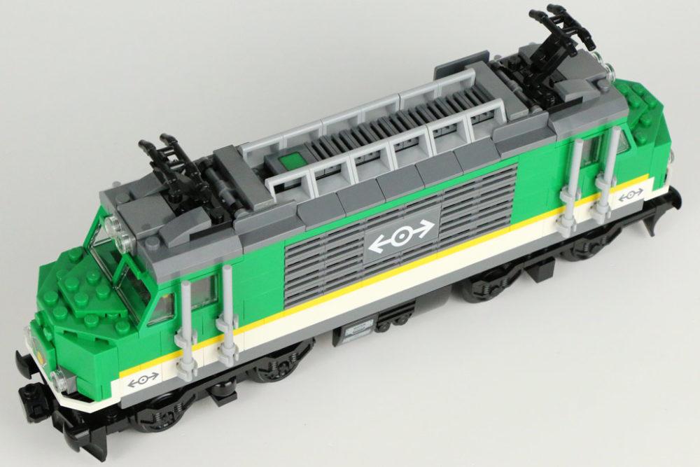 LEGO City Personenzug 60197 und Güterzug 60198 im