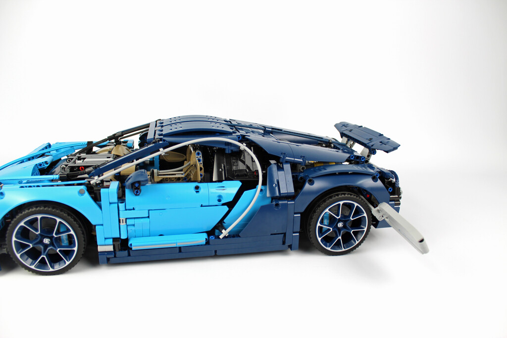 lego technic bugatti chiron 42083 im review zusammengebaut. Black Bedroom Furniture Sets. Home Design Ideas