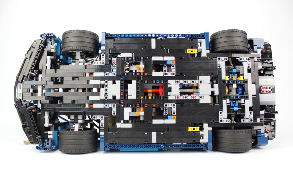 e63f57eadf43b9 LEGO Technic Bugatti Chiron 42083 im Review | zusammengebaut