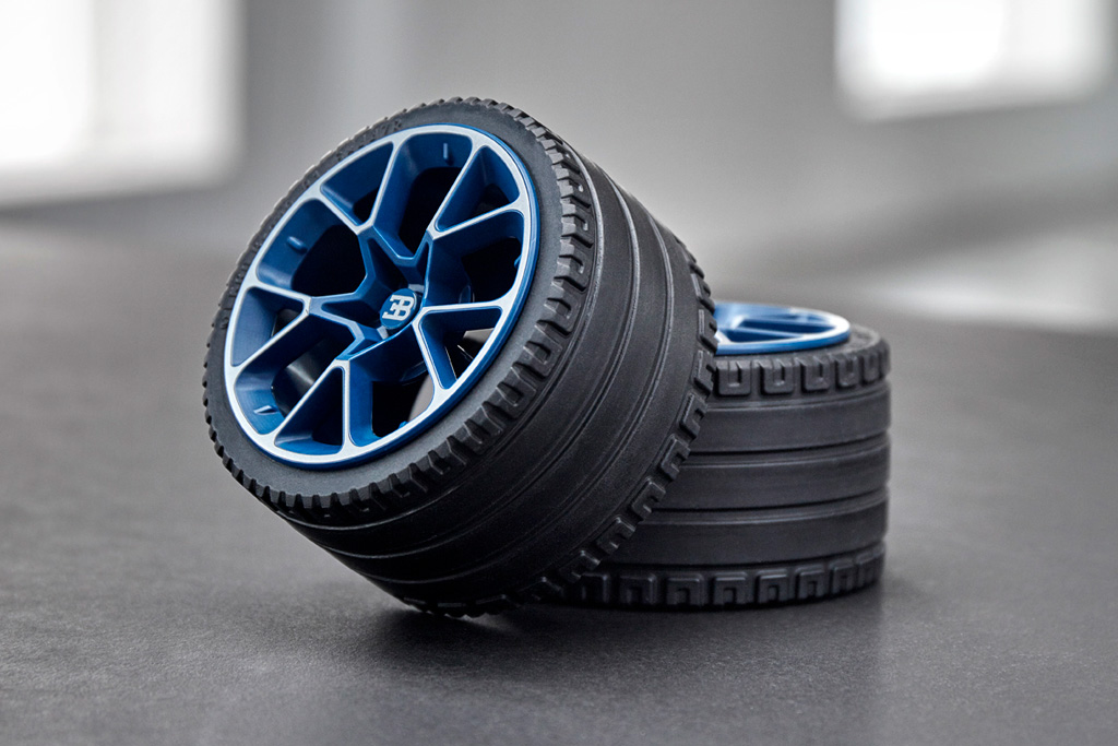 lego technic bugatti chiron 42083 offiziell vorgestellt. Black Bedroom Furniture Sets. Home Design Ideas