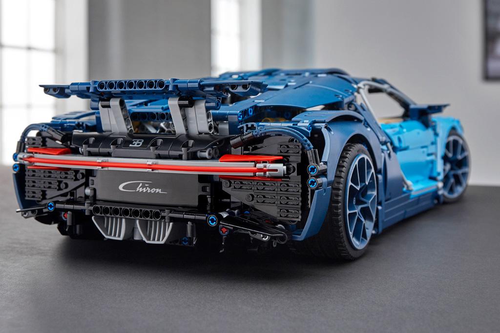736fb3acd4e089 LEGO Technic Bugatti Chiron 42083 offiziell vorgestellt | zusammengebaut