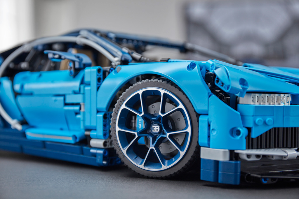 lego technic bugatti chiron 42083 offiziell vorgestellt. Black Bedroom Furniture Sets. Home Design Ideas