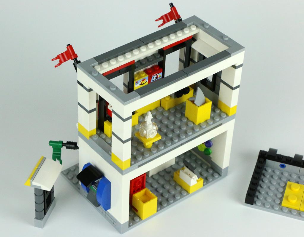lego-geschaeft-im-miniformat-40305-fenster-2018-zusammengebaut-andres-lehmann zusammengebaut.com