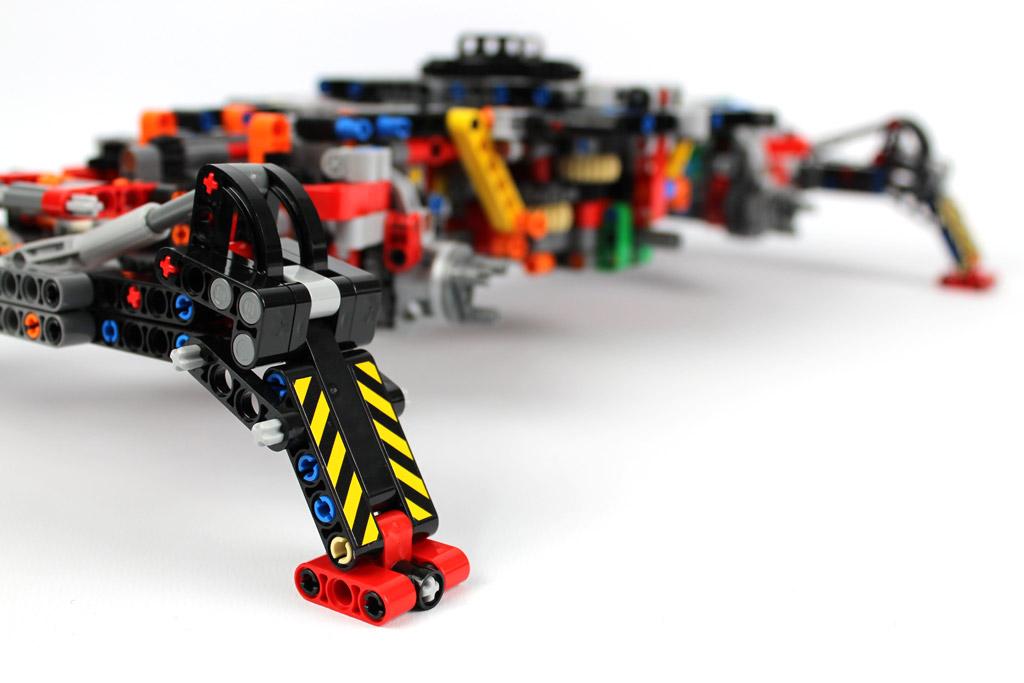 lego-technic-gelaendegaengiger-kranwagen-42082-abschnitt-1-2-2018-zusammengebaut-andre-micko zusammengebaut.com