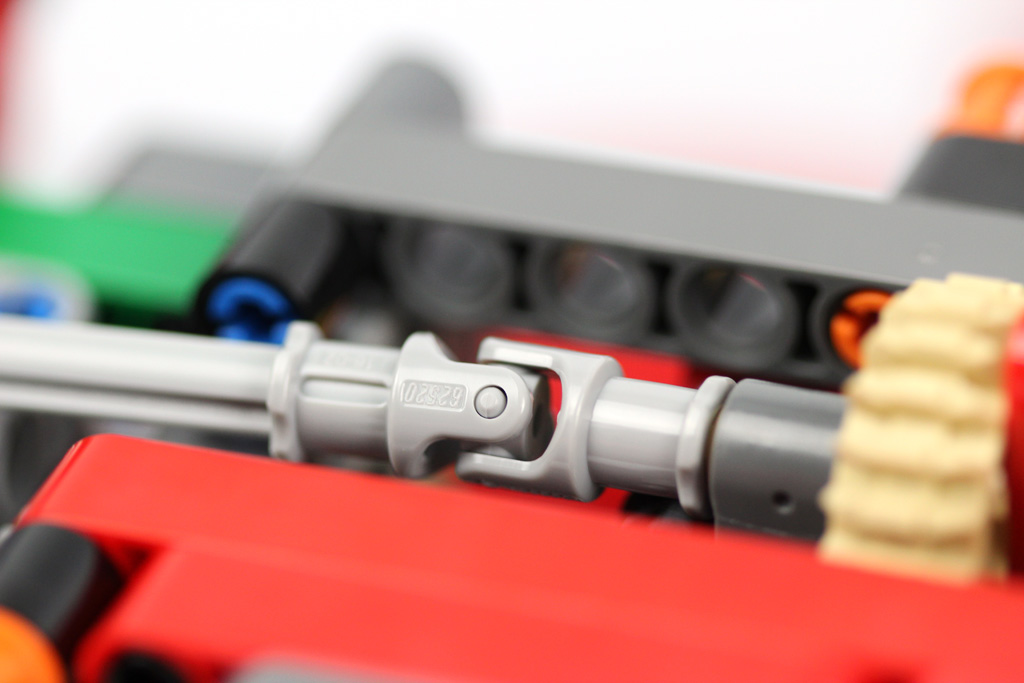 lego-technic-gelaendegaengiger-kranwagen-42082-abschnitt-1-5-2018-zusammengebaut-andre-micko zusammengebaut.com