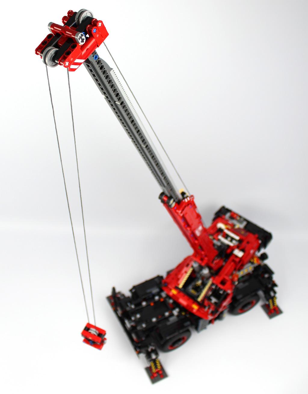lego-technic-gelaendegaengiger-kranwagen-42082-ausgefahren-arm-2018-zusammengebaut-andre-micko zusammengebaut.com