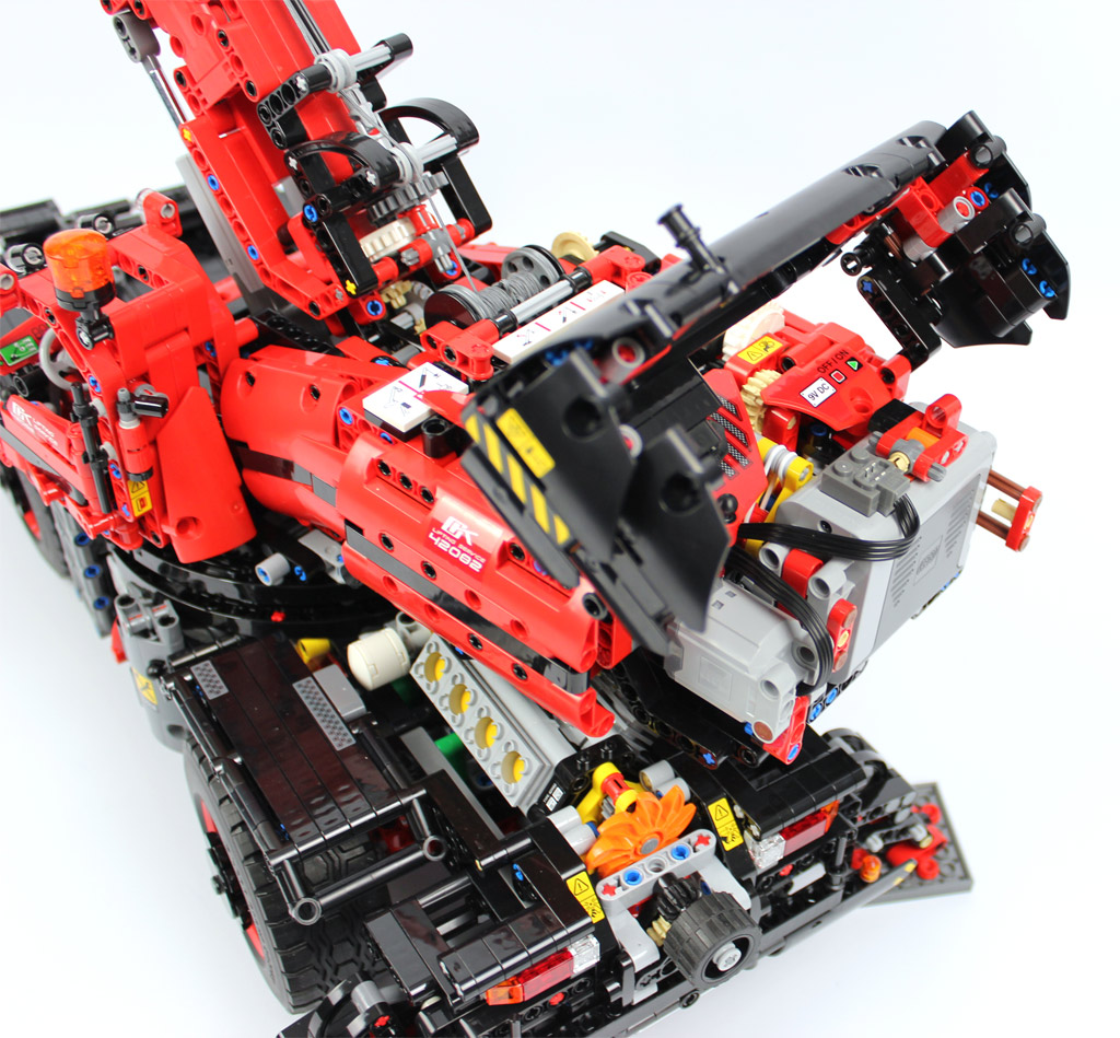 lego technic gel ndeg ngiger kranwagen 42082 im review. Black Bedroom Furniture Sets. Home Design Ideas