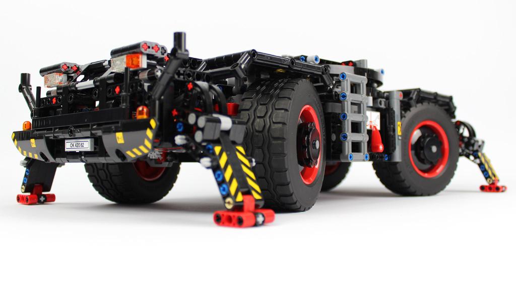 lego-technic-gelaendegaengiger-kranwagen-42082-bauabschnitt-8-2-2018-zusammengebaut-andre-micko zusammengebaut.com