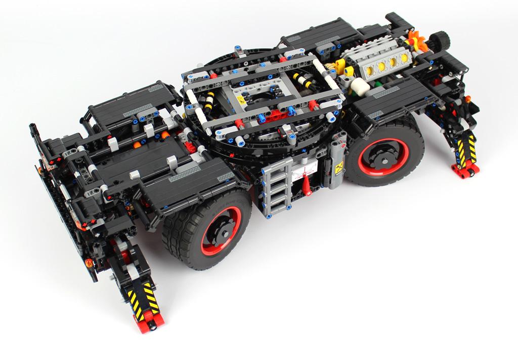 lego-technic-gelaendegaengiger-kranwagen-42082-bauabschnitt-8-2018-zusammengebaut-andre-micko zusammengebaut.com